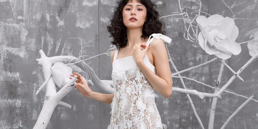 让人想全部买走的白色连衣裙